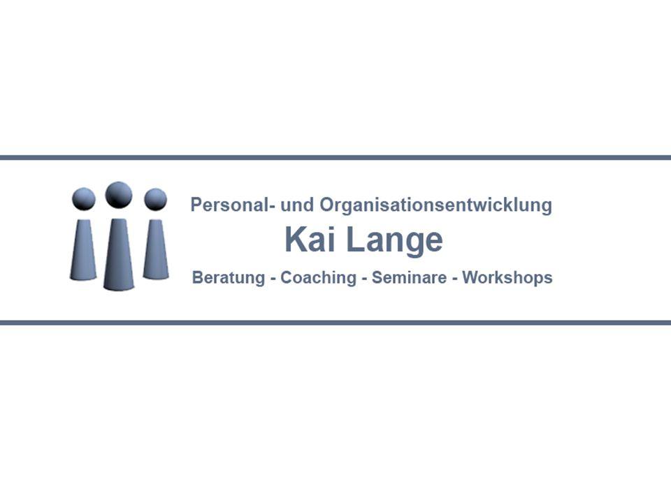 Kai Lange Beratung, Coaching, Seminare, Workshops Jahrgang 1953 Kaufmännische Ausbildung Studium der Erwachsenenbildung und Gruppenarbeit Berater, Dozent und Trainer in Industrie, Handel und Verwaltung seit 1983 Psychdramaleiter, Sozialtherapeut, Lehrbeauftragter FH Hof Stettiner Str.