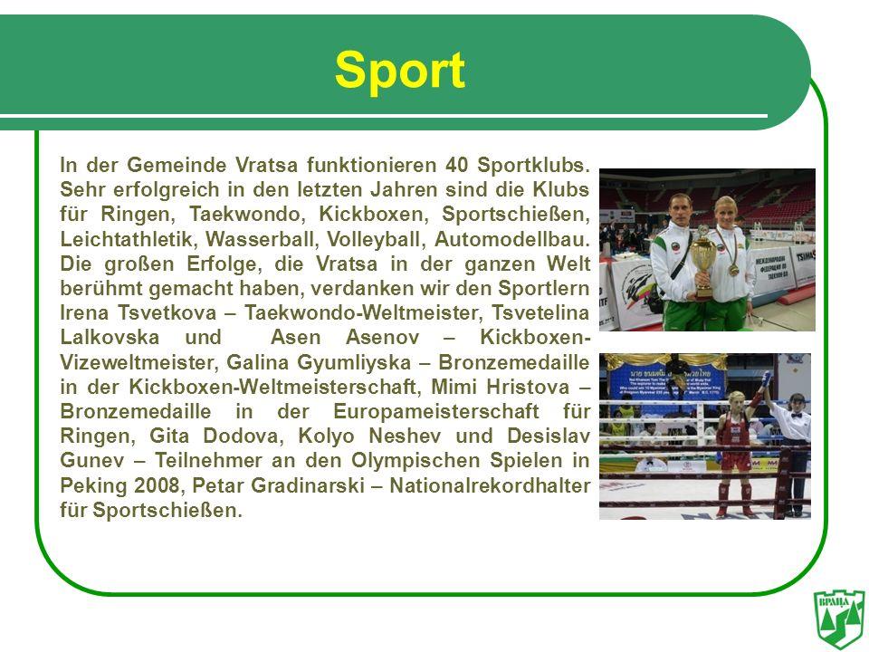Sport In der Gemeinde Vratsa funktionieren 40 Sportklubs. Sehr erfolgreich in den letzten Jahren sind die Klubs für Ringen, Taekwondo, Kickboxen, Spor