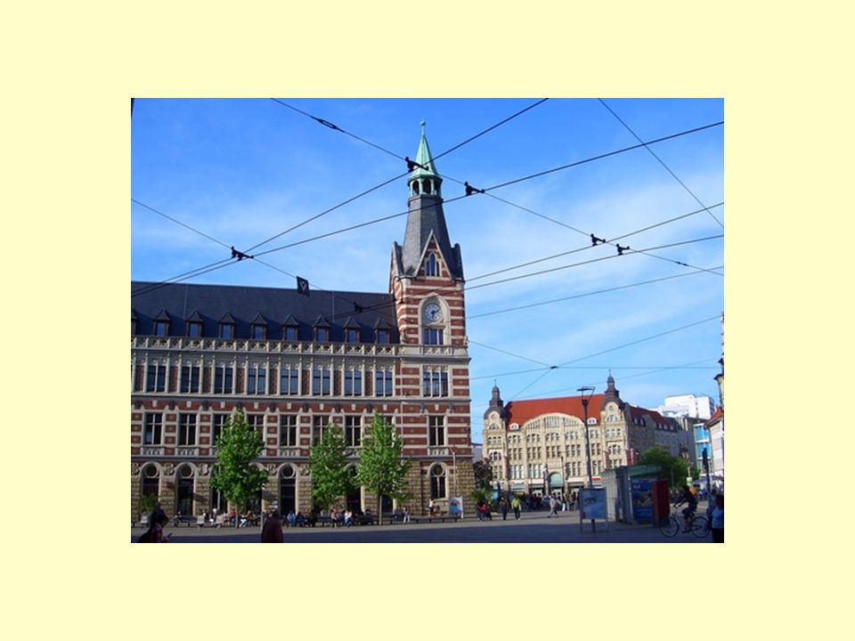 IIK-Webseite http://www.iik.dehttp://www.iik.de Webseite : Multilinguale Interkulturelle Geschäftskommunikation für Europa: http://www.mig-komm.eu http://www.mig-komm.eu Webseite: Interkulturelle medizinische Kommunikation für Europa: http://www.imed-komm.eu http://www.imed-komm.eu CD-ROMs zu Wirtschaftsdeutsch (einschließlich Kursbuch und Video), Wirtschaftsfranzösisch, Wirtschaftsspanisch, Wirtschaftsitalienisch, Wirtschaftsdänisch CD-ROM Deutsch für Tourismus in Hotel und Restaurant CD-ROM Deutsch für ausländische medizinische Pflegekräfte DVD Geschäftssprache Deutsch CD-ROM Webvertising deutsch/finnisch CD-ROM Sprachspiele CD-ROM Sprachstandstest CD-ROM Das Goldenstedter Moor
