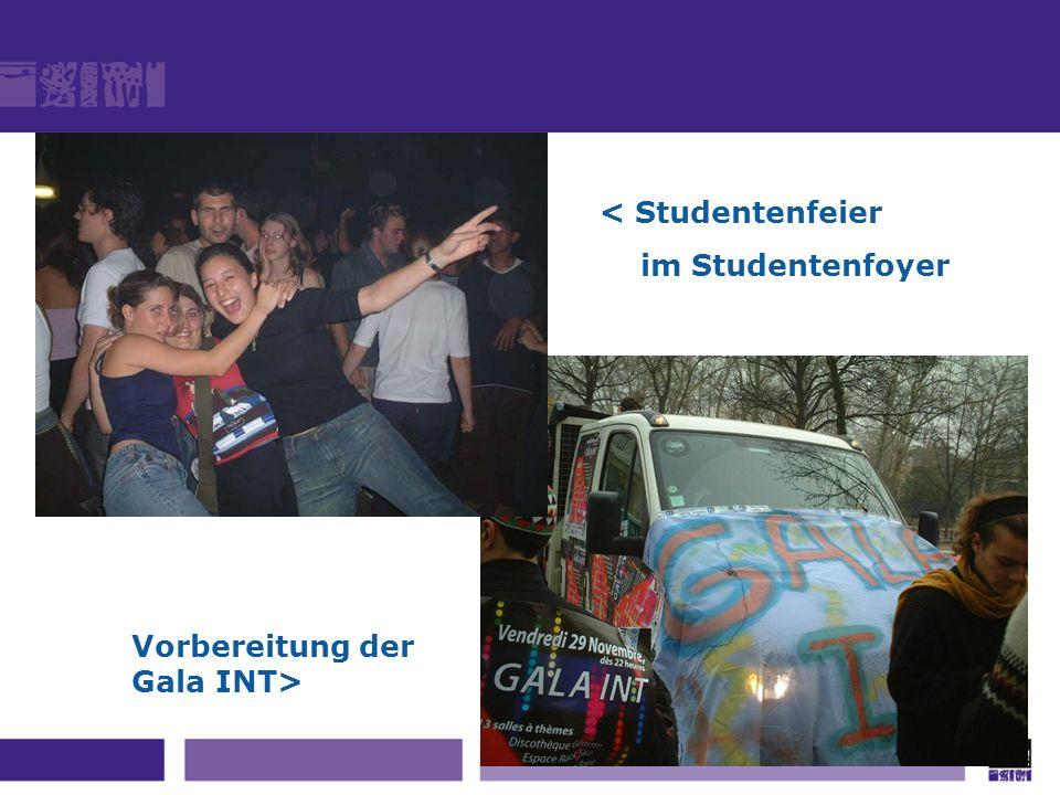 Vorbereitung der Gala INT> < Studentenfeier im Studentenfoyer