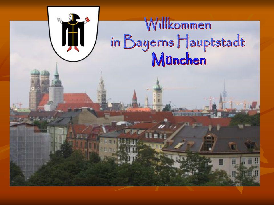 Das Schloss Neuschwanstein liegt im Allgäu auf dem Gebiet der Gemeinde Schwangau bei Füssen. Ludwig II von Bayern ließ dieses sowie andere Schlösser i