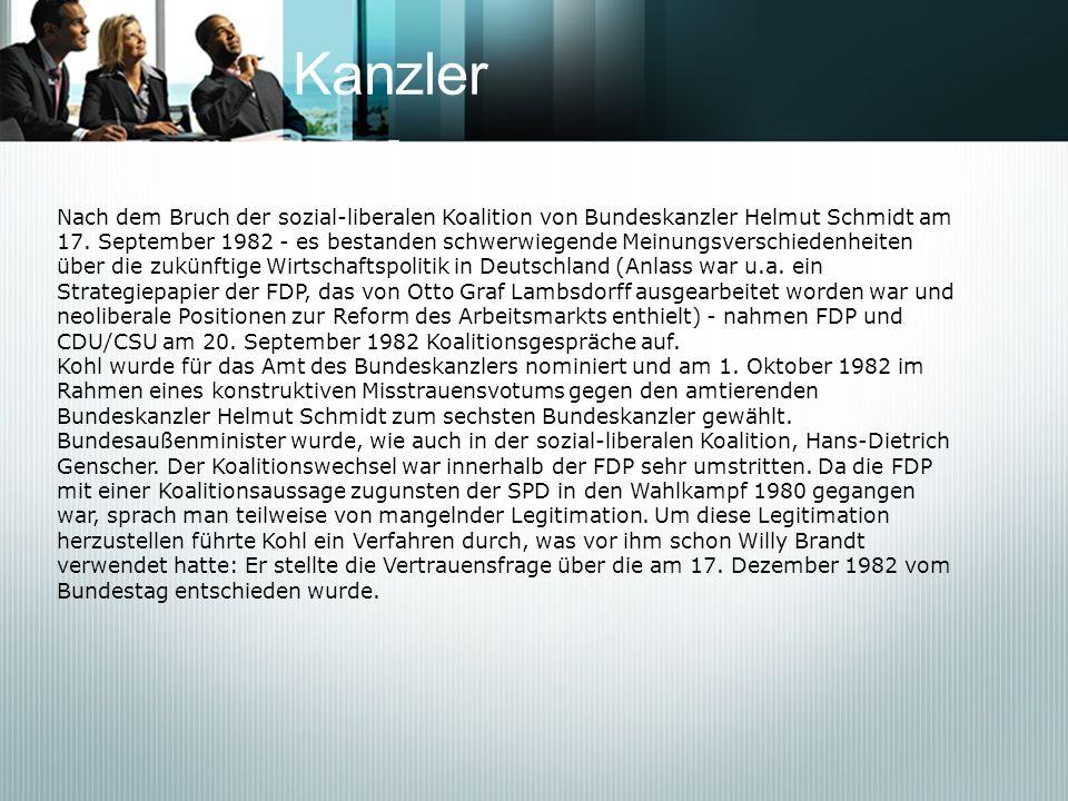 Kanzler Nach dem Bruch der sozial-liberalen Koalition von Bundeskanzler Helmut Schmidt am 17. September 1982 - es bestanden schwerwiegende Meinungsver