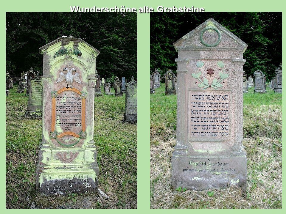 Wunderschöne alte Grabsteine