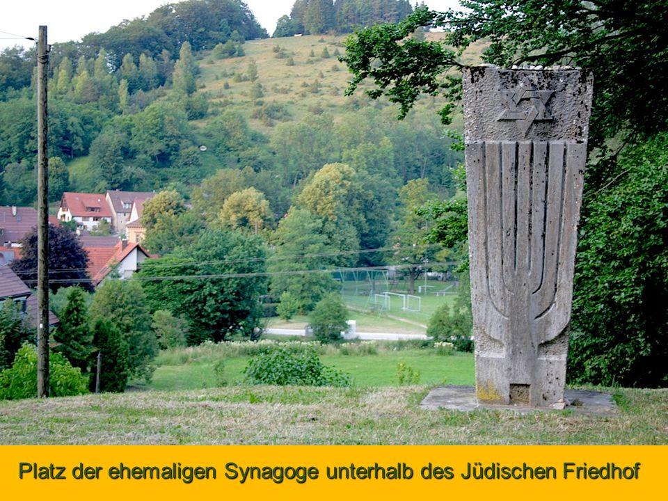 Platz der ehemaligen Synagoge unterhalb des Jüdischen Friedhof