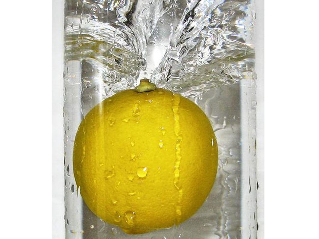 Zitronen sind immer gelb.