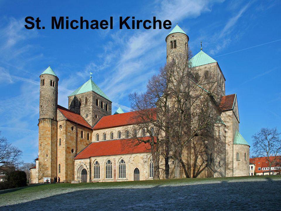 Geschichte Die Kirche wurde zwischen 1010 und 1033 unter der Leitung von Bischof Bernward erbaut als Kapelle seines Benediktinerklosters.