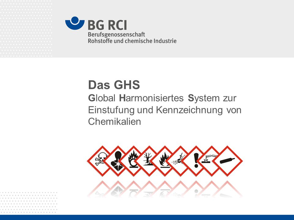 Seite 2 Das GHS Basis: UN Purple book = UN-GHS Umsetzung in Europa: CLP-Verordnung (EG) Nr.