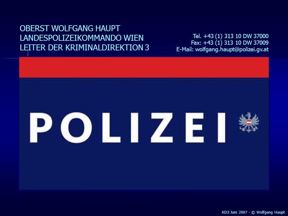 KD3 2005 - © Wolfgang Haupt EIN SICHERES TAXI EIN SICHERER FAHRER EINE SICHERE STADT MAN BRAUCHT SICHERHEIT NICHT ERST AM ZIEL, SONDERN AUCH AUF DEM WEG.