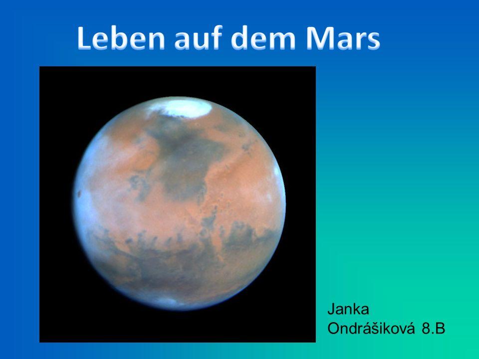 Ich bin Janka. Ich wohne in Kriváň. Ich bin vierzehn Jahre alt. Ich besuche Schule in Kriváň.