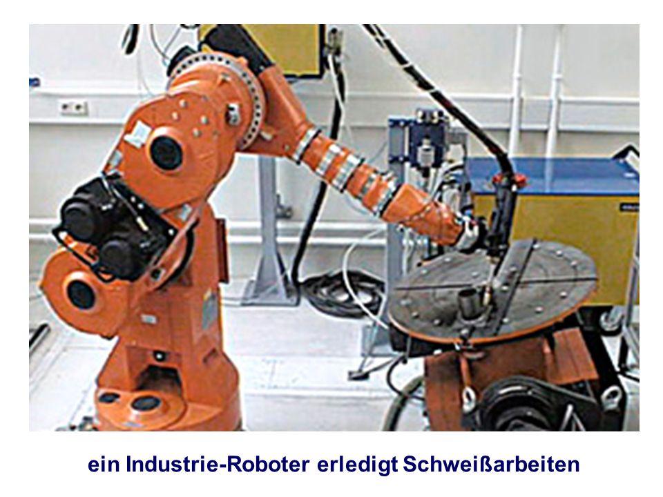 ein Industrie-Roboter erledigt Schweißarbeiten