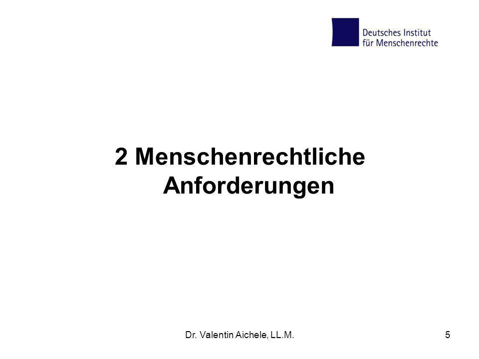 6 UN-Behindertenrechtskonvention Ziel: gleichberechtigte Rechtsausübung Geltendes Recht in Deutschland verbunden mit einer Einhaltungs- und Umsetzungsverpflichtung Grundlage für eine Gesellschaftspolitik: von einer Politik der Fürsorge hin zu einer Politik der Rechte