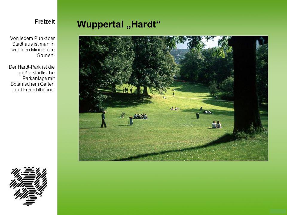 Von jedem Punkt der Stadt aus ist man in wenigen Minuten im Grünen. Der Hardt-Park ist die größte städtische Parkanlage mit Botanischem Garten und Fre