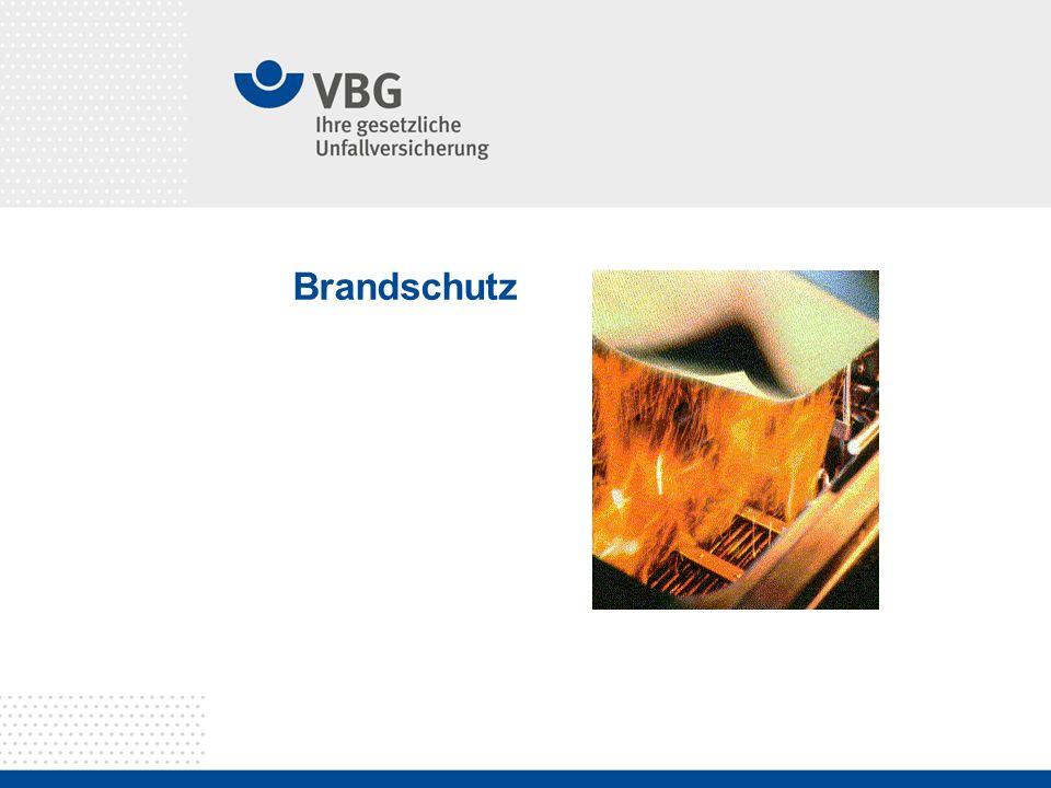 Unterweisung Brandschutz Seite 2 Allgemeine Tipps Kaffeemaschinen oder andere Geräte, die warm werden können, auf nicht brennbaren Unterlage (zum Beispiel Keramikplatten) abstellen.