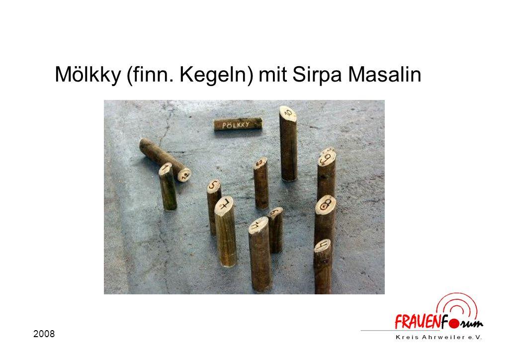 Mölkky (finn. Kegeln) mit Sirpa Masalin