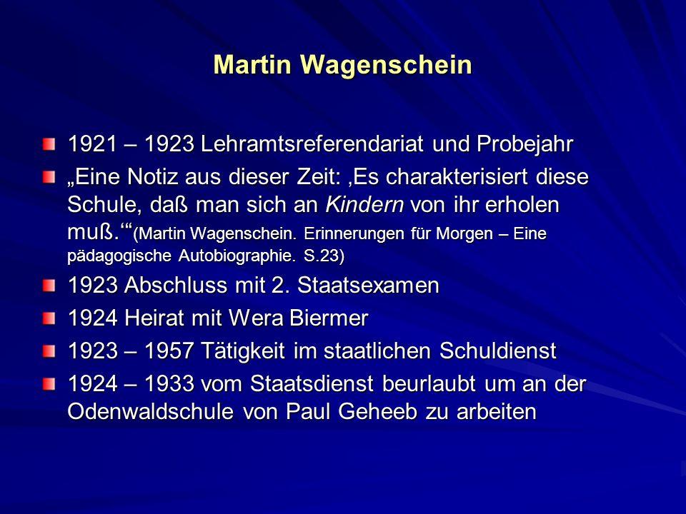 Martin Wagenschein Paul Geheeb (1870 – 1961), deutscher Reformpädagoge und Gründer der Odenwaldschule Wollte man mich nach dem Geheimnis von Paul Geheebs Wirkung fragen, so würde ich, eben weil sie ein Geheimnis ist, nicht viel zu sagen wissen, außer einem, daß ganz gewiß ist: Er schenkte Vertrauen und lehrte so, Vertrauen zu geben.