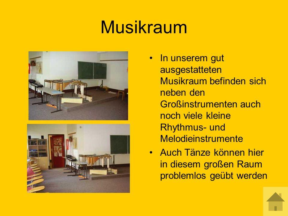 Musikraum In unserem gut ausgestatteten Musikraum befinden sich neben den Großinstrumenten auch noch viele kleine Rhythmus- und Melodieinstrumente Auch Tänze können hier in diesem großen Raum problemlos geübt werden
