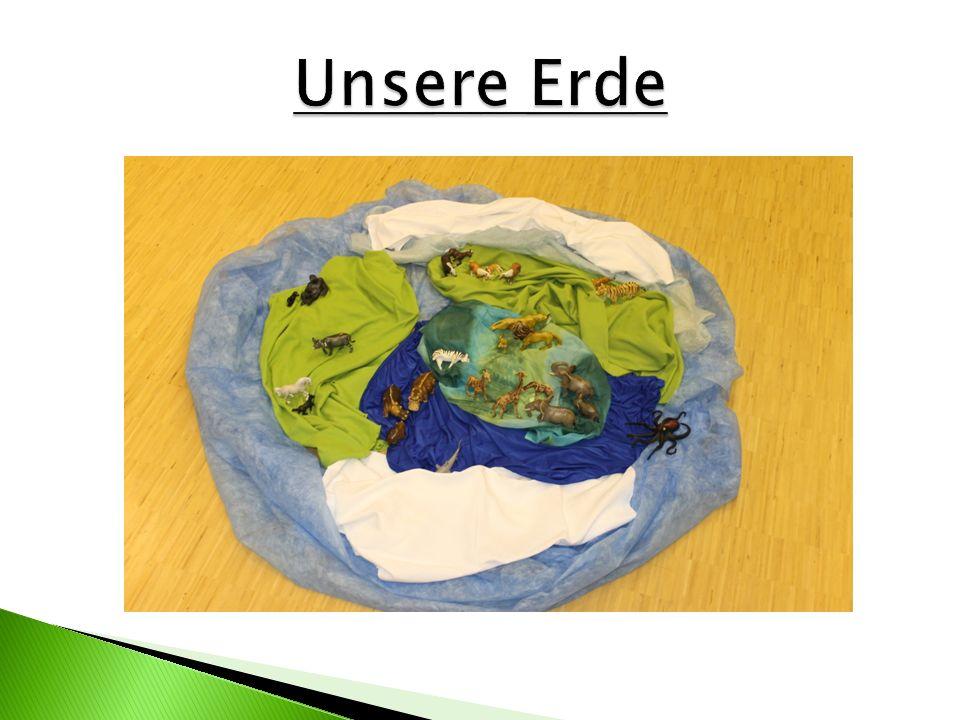 Unser Präsentation zeigt die Welt aus der Sichtweise der Kinder gesehen. In mehreren Gesprächen haben wir die Aussagen der Kinder herausgearbeitet. Di