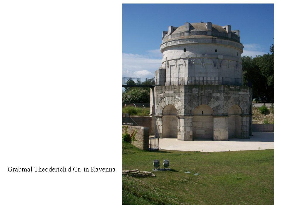 15 Grabmal Theoderich d.Gr. in Ravenna