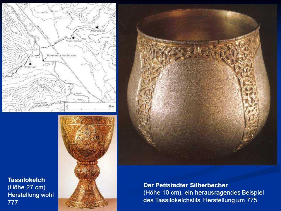 Der Pettstadter Silberbecher (Höhe 10 cm), ein herausragendes Beispiel des Tassilokelchstils, Herstellung um 775 Tassilokelch (Höhe 27 cm) Herstellung