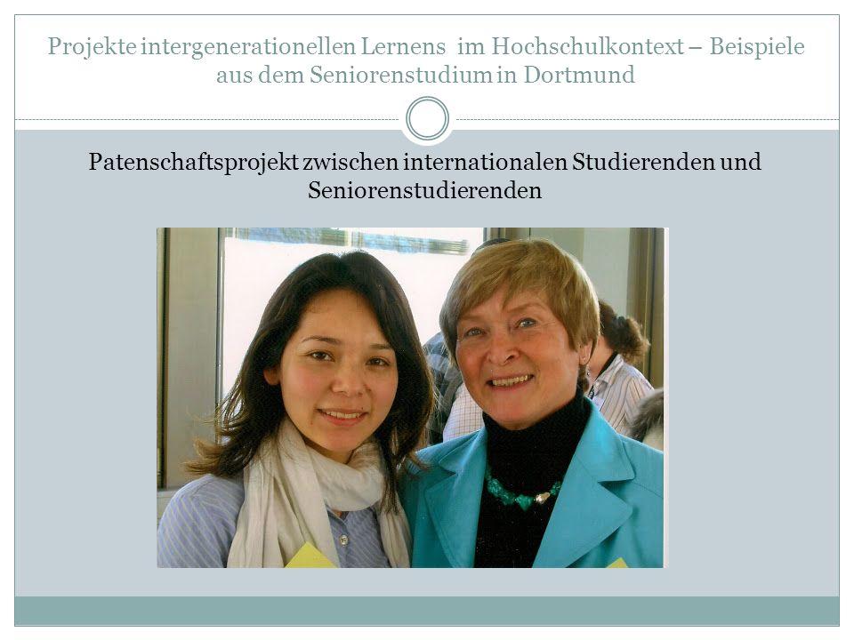 Projekte intergenerationellen Lernens im Hochschulkontext – Beispiele aus dem Seniorenstudium in Dortmund Junge Studierende bieten einen Kurs für Studienanfänger im Seniorenstudium zur Erleichterung des Studieneinstiegs an.