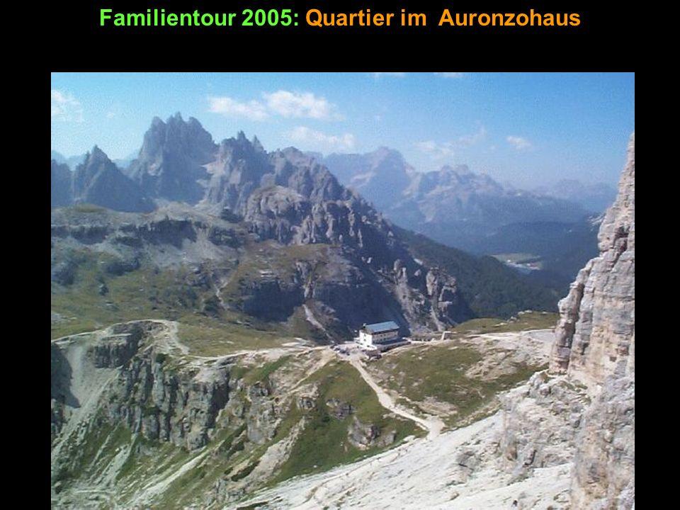 Familientour 2005: Klettersteig auf den Tobliner Knoten Annäherung 1: Der leichte Aufstieg führt über die Ostseite