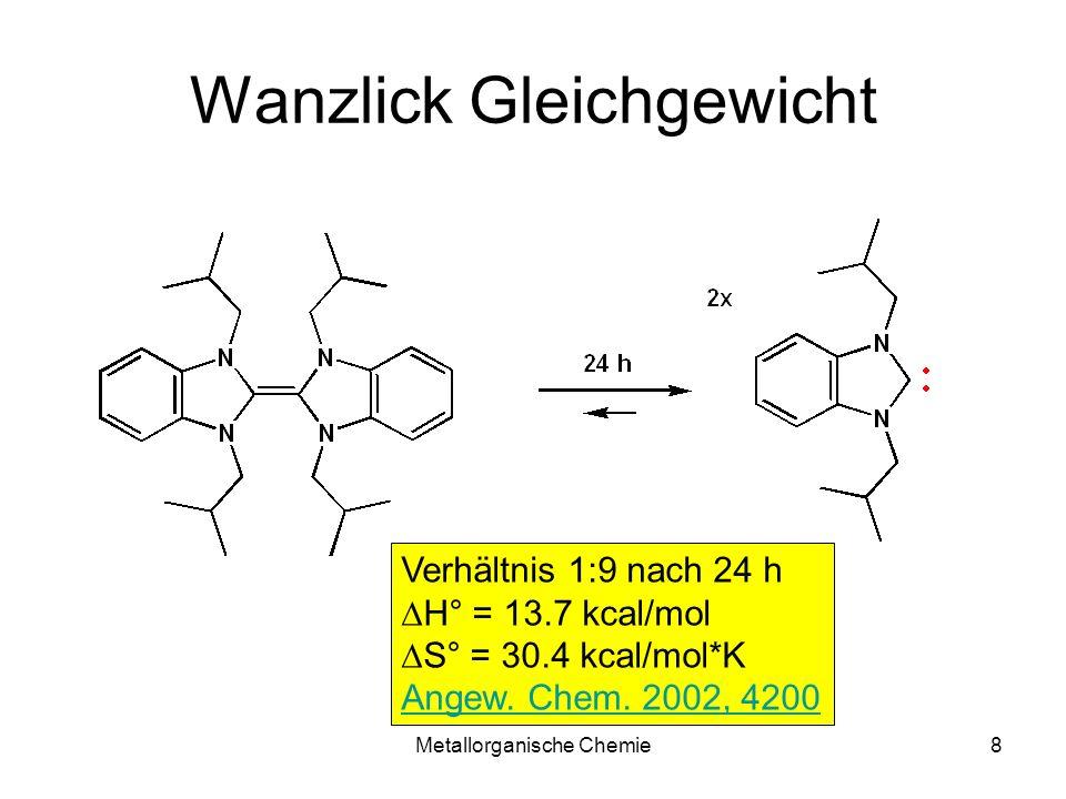 Metallorganische Chemie19 Reaktivität von Carben 1 Heteroatom mit freiem Elektronenpaar Stabilisierung durch p-p Hetero Singulett-Carben elektrophiles Fischer- Carben kein Heteroatom keine Stabilisierung durch p-p R Triplett-Carben nukleophiles Schrock-Carben