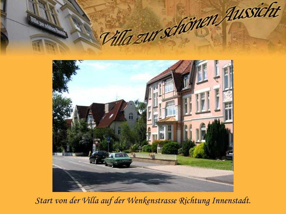 Start von der Villa auf der Wenkenstrasse Richtung Innenstadt.