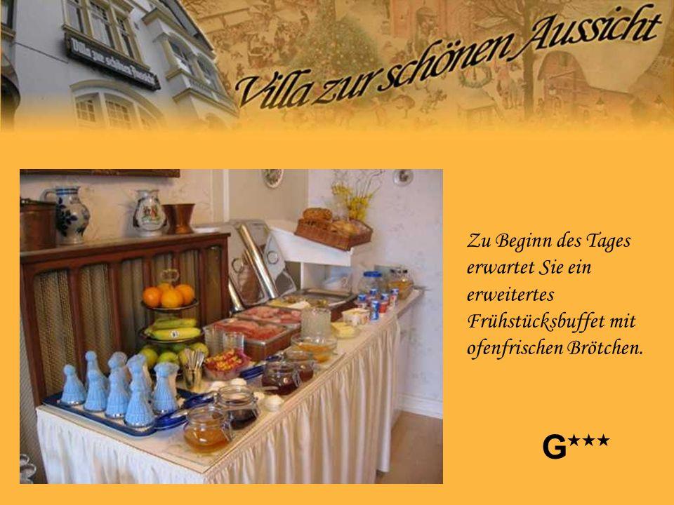 Zu Beginn des Tages erwartet Sie ein erweitertes Frühstücksbuffet mit ofenfrischen Brötchen. G