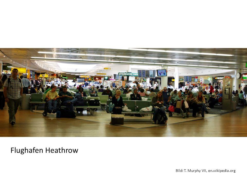 Ein Gespräch in Heathrow Beteiligte Personen: - J.