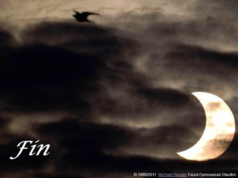 11 J. v. Eichendorff: Mondnacht Freiherr Joseph von Eichendorff 1788-1857 Es war, als hätt der Himmel Die Erde still geküsst, Dass sie im Blütenschimm