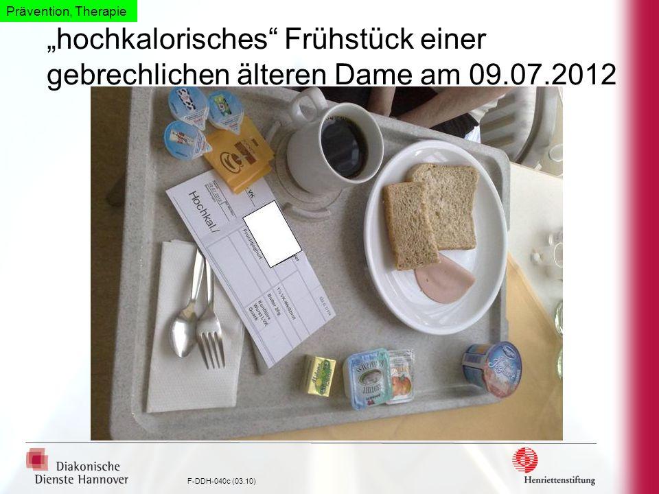 F-DDH-040c (03.10) hochkalorisches Frühstück einer gebrechlichen älteren Dame am 09.07.2012 Prävention, Therapie
