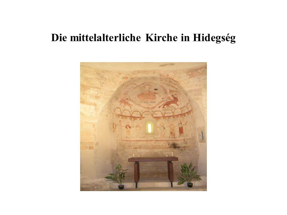 Die mittelalterliche Kirche in Hidegség