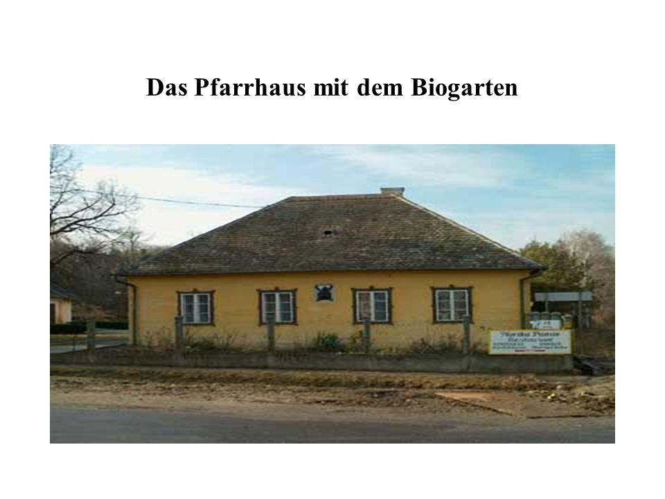 Das Pfarrhaus mit dem Biogarten