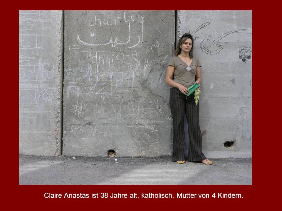 Claire Anastas ist 38 Jahre alt, katholisch, Mutter von 4 Kindern.