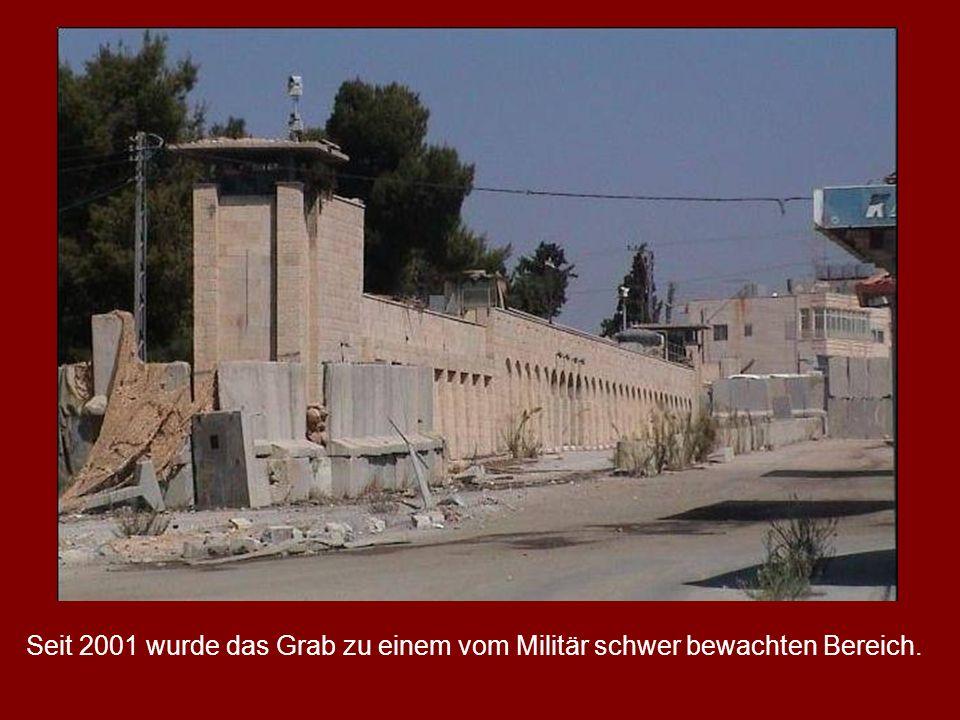 Seit 2001 wurde das Grab zu einem vom Militär schwer bewachten Bereich.