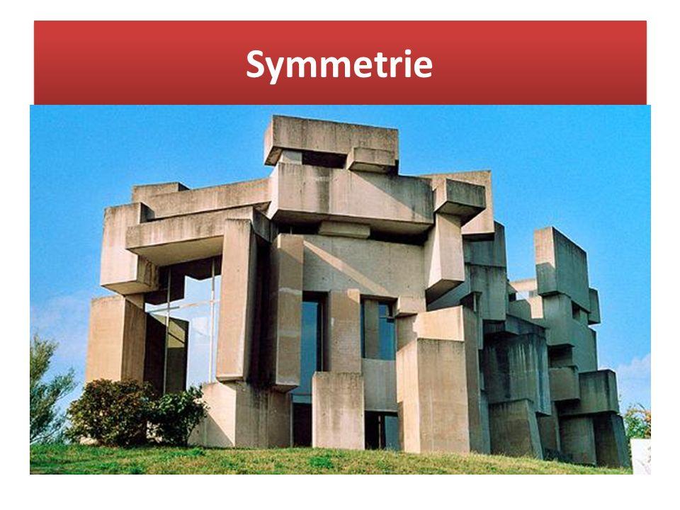 Symmetrie Ist eines der wichtigsten Kompositionsprinzipien (griech. symmetria = Zusammenklang der Maße, Ebenmaß) Sie galt seit der Antike als ein bede