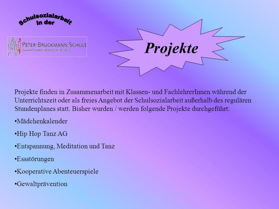 Seit 1997 erscheint regelmäßig der Mädchenkalender für den Stadt- und Landkreis Heilbronn, der von 3 Fachfrauen, Mitglieder auch im AK Mädchen des SKJR Heilbronn, koordiniert wird.