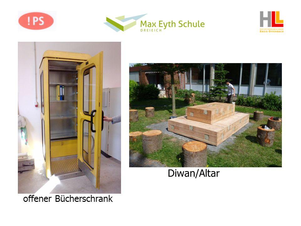 Diwan/Altar offener Bücherschrank