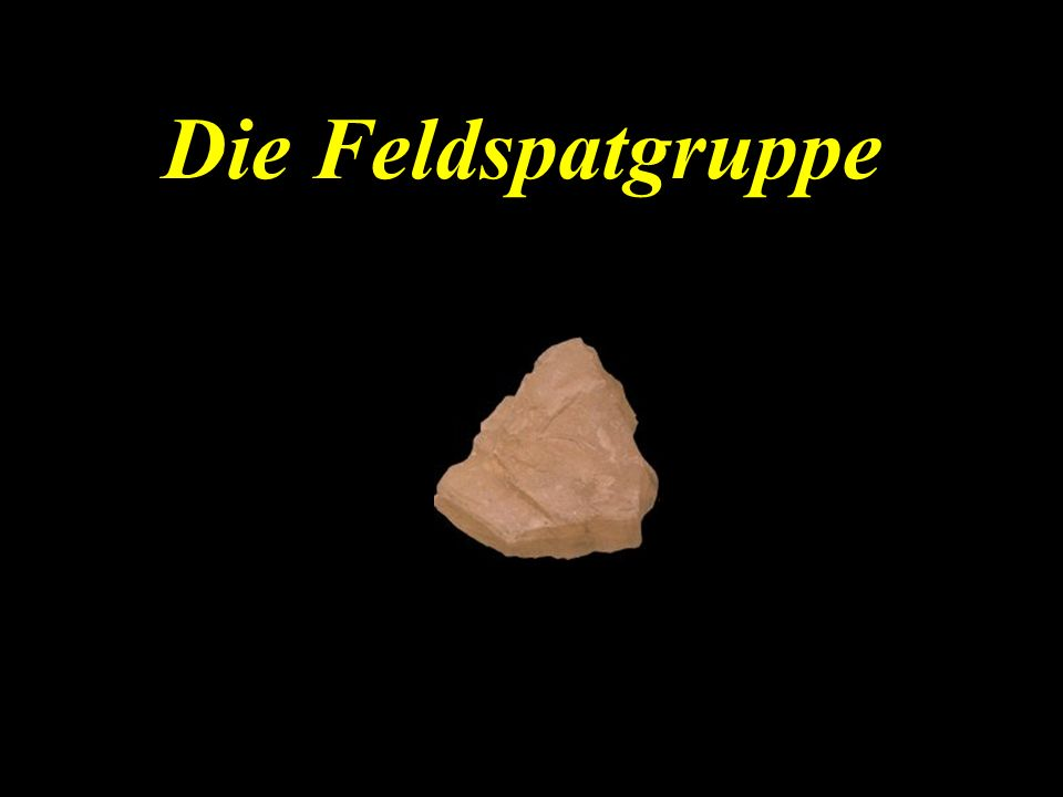 Die Feldspatgruppe besteht aus drei unterschiedlichen Mineralen: Kalifeldspat Natronfeldspat Kalk-Natronfeldspat Diese Mineralien bilden miteinander teilweise Mischkrisrallreihen, z.