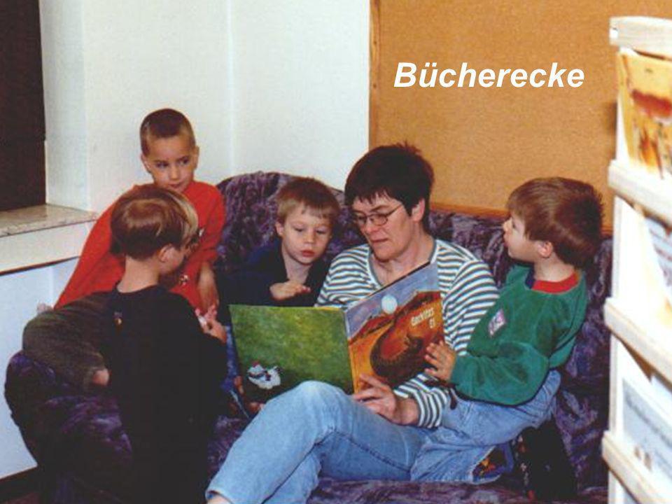 Die religions-pädagogische Arbeit vermittelt den Kindern Grundlagen des christlichen Glaubens, z.B.