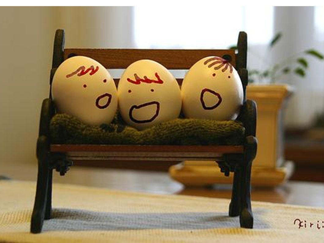 Es wird immer frecher: bunte Eier- Becher.