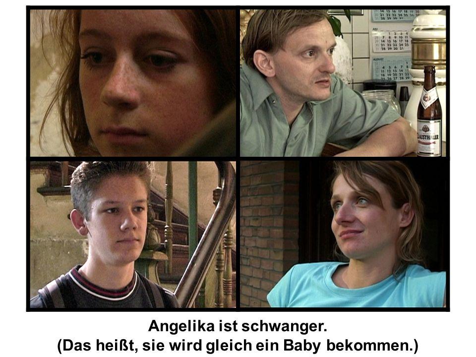 Angelika ist schwanger. (Das heißt, sie wird gleich ein Baby bekommen.)