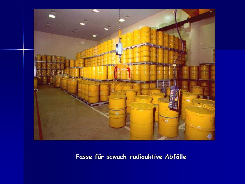 Fasse für scwach radioaktive Abfälle