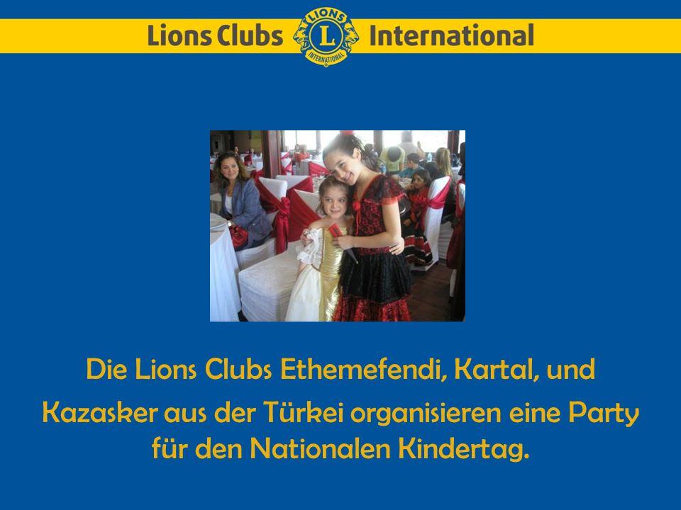 Die Lions Clubs Ethemefendi, Kartal, und Kazasker aus der Türkei organisieren eine Party für den Nationalen Kindertag.