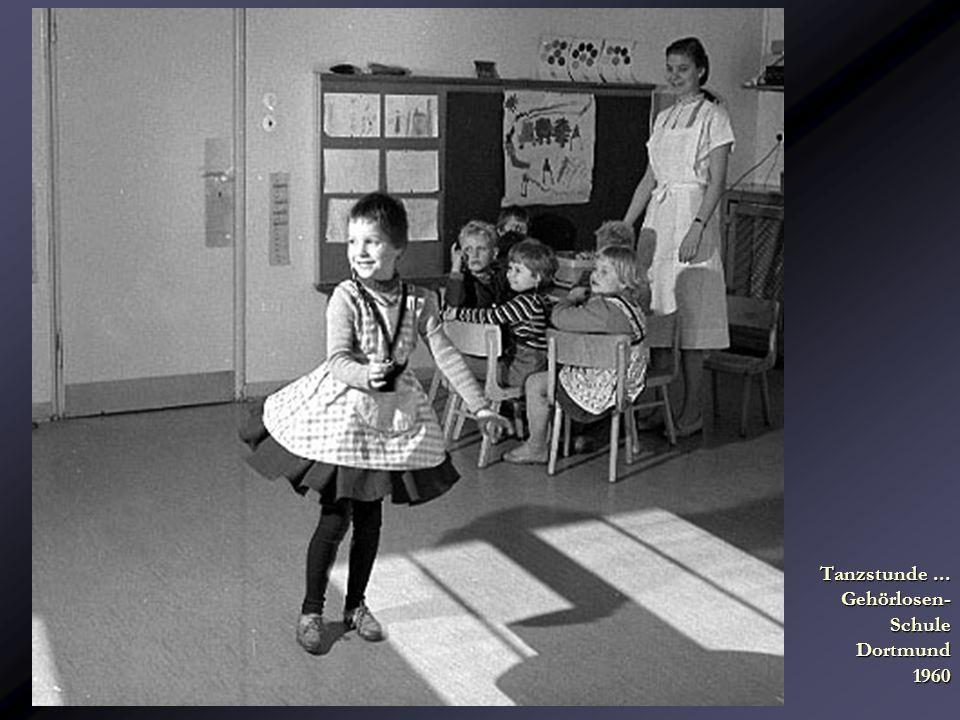 Tanzstunde... Gehörlosen- Schule Dortmund 1960