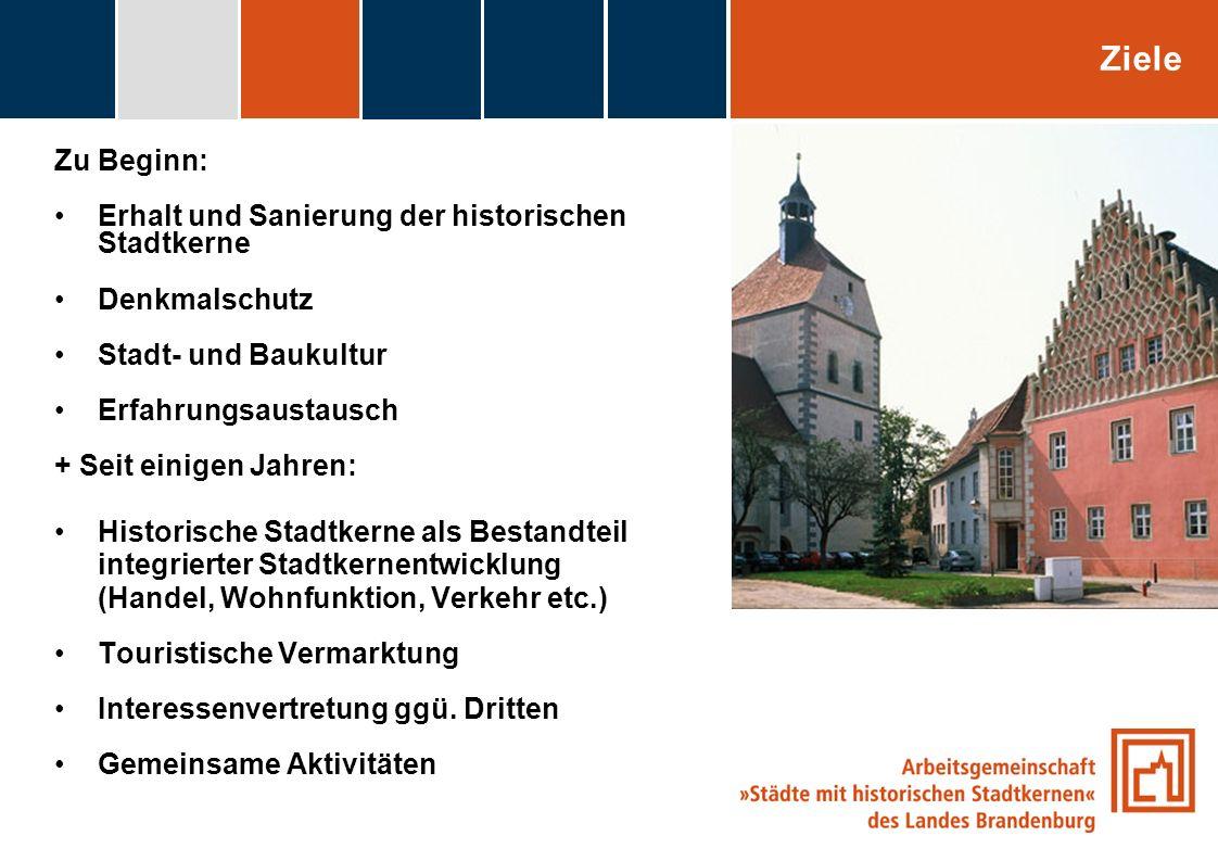 fdggfg Zu Beginn: Erhalt und Sanierung der historischen Stadtkerne Denkmalschutz Stadt- und Baukultur Erfahrungsaustausch + Seit einigen Jahren: Histo