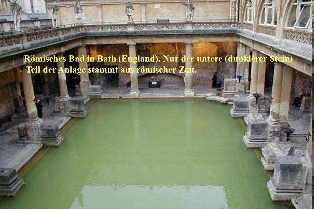 Gesundheitsamt der Stadt Mülheim an der Ruhr Römisches Bad in Bath (England). Nur der untere (dunklerer Stein) Teil der Anlage stammt aus römischer Ze