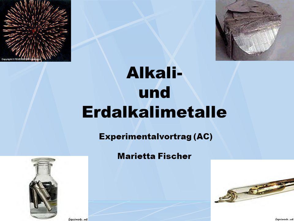 Alkalimetalle Eigenschaften und Verwendungen der Metalle und ihre Verbindungen Chemische Reaktionen Alkalilaugen, Systeme Alkalimetall / Wasser bzw.