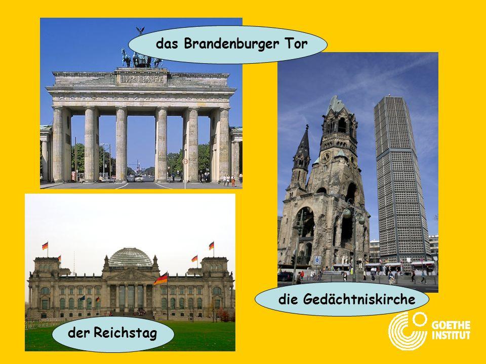 das rote Rathaus der Berliner Zoo