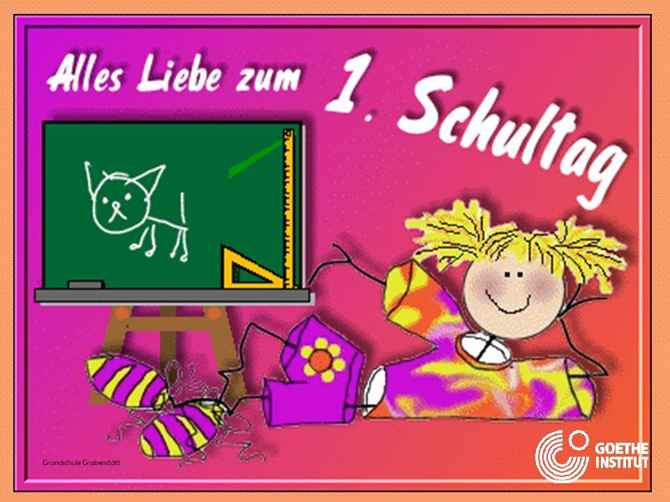 Am 1. Schultag haben die Kinder viel Spaß. www.cabrinischule.de www.culturallyteaching.com